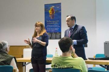 Pastor Akil Pano berichtete über die Arbeit der Evangelischen Allianz Albanien...