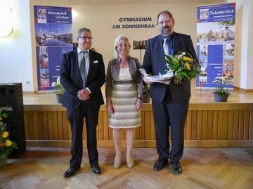 Kreistagspräsident Klaus Becker, Landrätin Kerstin Weiss und Frieder Weinhold (v.l.)