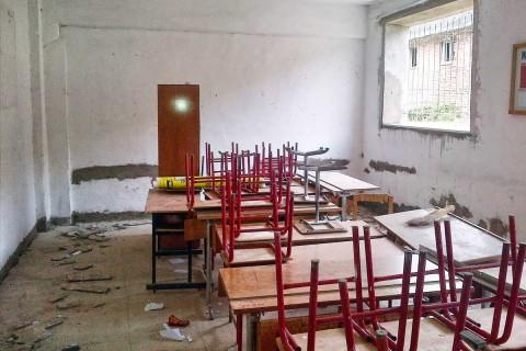 Klassenzimmer im Gymnasium von Proptisht während des Umbaus...