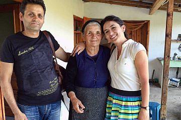 Hausbesuch bei eine pflegebedürfigen Dorfbewohnerin