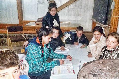 Hausaufgabenbetreuung im Gemeindehaus