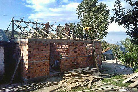 Baueinsatz für Familie Elezi, Velçan