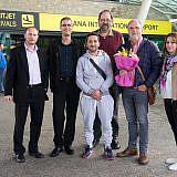 Am Flughafen Tirana begrüßten uns Aurel & Nertila Lleshi, die kürzlich von Krempe nach Albanien zurückkehren mussten