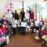 Die Weihnachtsfreude kommt an, hier im Kindergarten von Bishnica
