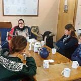 Zu Diolas Aufgaben gehört auch die Begleitung der Internatsmitarbeiter …