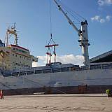 Entladen im Hafen von Durrës