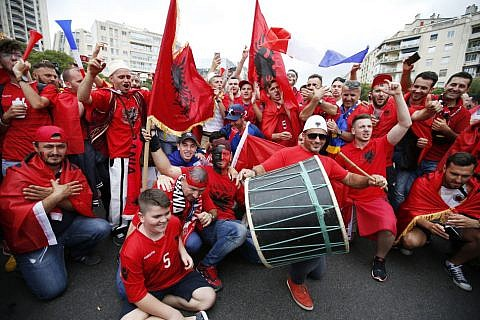 Albanische Fans vor dem Frankreich-Spiel in Marseille