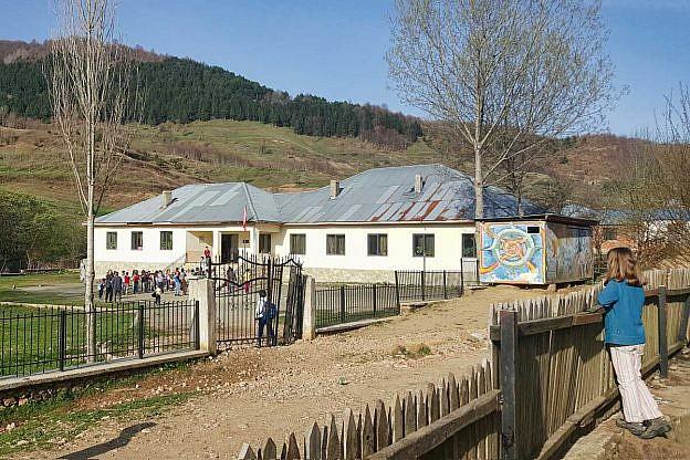 Schulbeginn in Bishnica