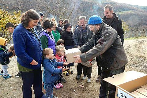 Anfang Dezember: Weihnachtspäckchenaktion in Albanien