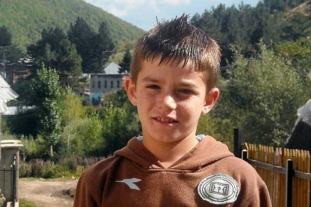 Kristi Qyrku mit 8 Jahren in Bishnica