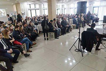 Fast 250 Gäste waren nach Pogradec ins Hotel Enkelana gekommen