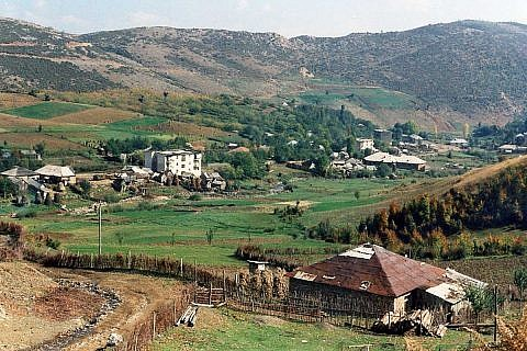 Kahle Hänge rund um Bishnica, 1996
