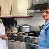 Die Köchinnen bei der Arbeit