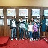 Ausstellung mit Kinderbildern im Rathaus Pogradec