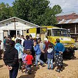 Familienpakete verteilen in Bishnica