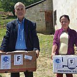 Familienpakete verteilen in Laktesh