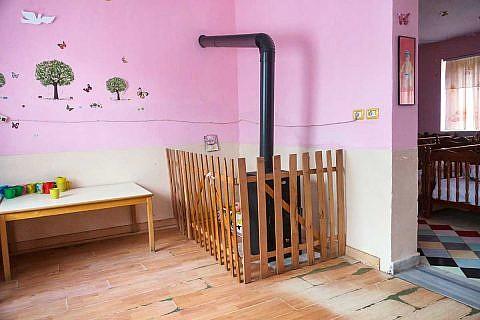 Die abgenutzten Böden im Kindergarten Librazhd  werden im August erneuert