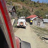 … durch die Dörfer wieder ins Tal