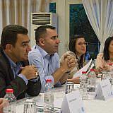 Diskussion mit den Bürgermeistern von Pogradec (links) und Librazhd (mitte)