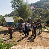 Auf der Dorfstraße von Bishnica