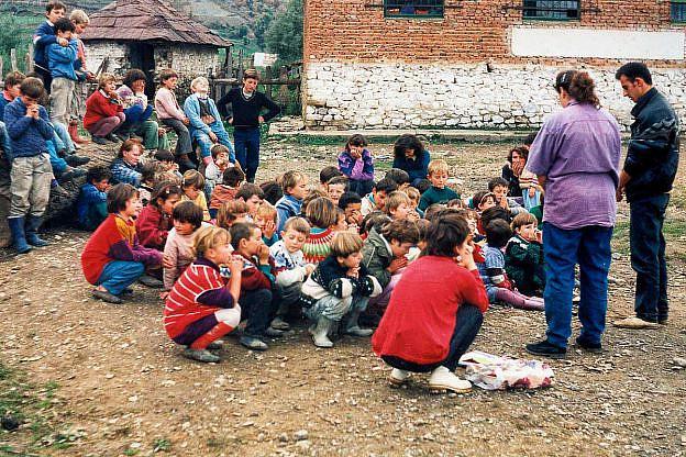 Petraq Vako bei einem Sommereinsatz in Bishnica 1996