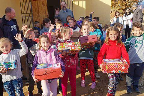 Dezember 2018: An der Weihnachtsaktion nehmen wieder Helfer aus Deutschland und Albanien teil