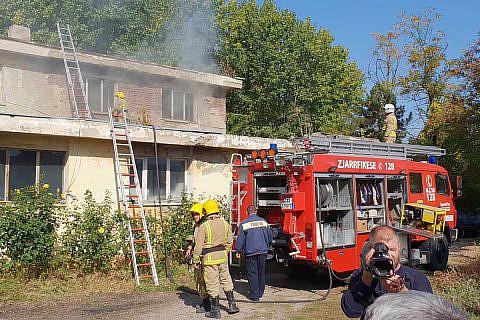 Seit 2016 ist ein ausgemustertes Feuerwehrfahrzeug aus Wismar in Pogradec im Einsatz