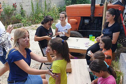 Kinderprogramm, Gottesdienste, Familienbesuche, Besprechungen – die Zeit beim Sommereinsatz war sehr intensiv