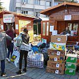 Spendensammlung auf dem Pogradecer Weihnachtsmarkt