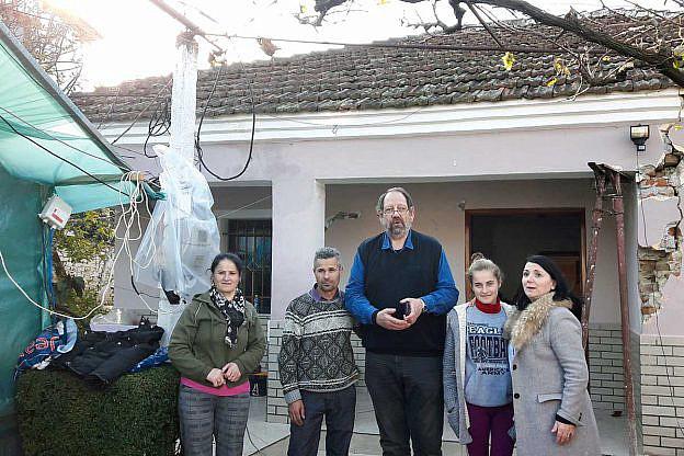 Zu Besuch bei Erdbebenopfern in Vlasht