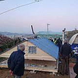 Aufbau von Notunterkünften in Vlashaj