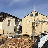 Aufbau von Notunterkünften in Bubq