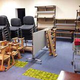 Diese Schulmöbel-Spenden konnten wir…