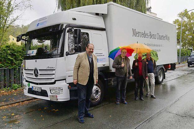 Die Miete für den September-Transport wurde vom Mercedes-Autohaus Brinkmann in Güstrow gesponsert – eine große Hilfe!